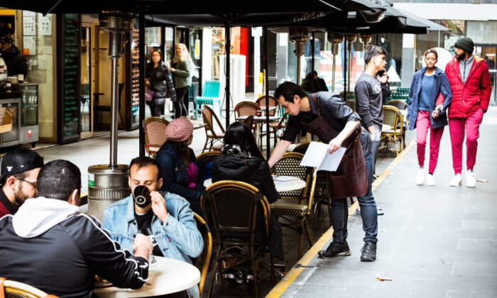 Cafes in Melbourne's Degraves street open for dine in customers on June 01, 2020 in Melbourne, Australia. (Darrian Traynor/Getty Images)