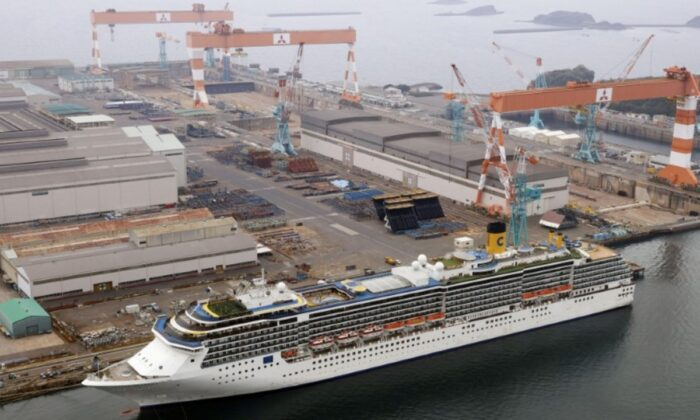An aerial view shows Italian cruise ship Costa Atlantica, which has crew members confirmed with cases of the CCP virus infection, in Nagasaki, Japan, on April 26, 2020. (Kyodo via Reuters/File Photo)