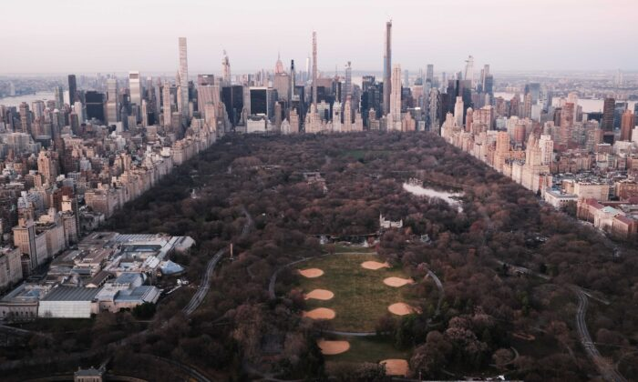 Dawn breaks over Manhattan and Central Park as the city struggles to contain the number of coronavirus cases in New York City on March 18, 2020. (Spencer Platt/Getty Images)