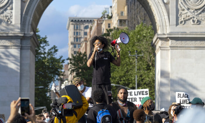 Protestors take part in a demonstration at Washington Square Park in New York, N.Y., on June 1, 2020. (Craig Ruttle/AP Photo)