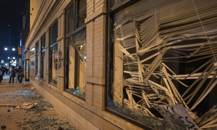 Damage is pictured to the Secretary of State building in downtown Grand Rapids, Mich., on May 30, 2020. (Anntaninna Biondo/The Grand Rapids Press via AP)