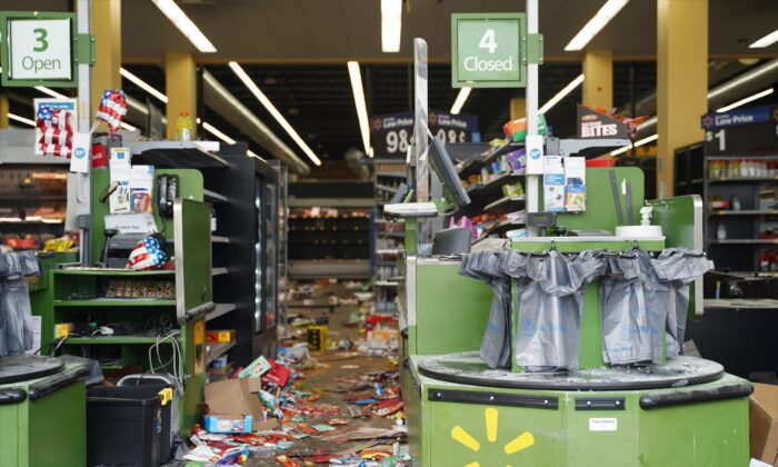 A Walmart that had been looted by protesters, is seen in the Chicago neighborhood of Bronzeville, on June 1, 2020. (Cara Ding/The Epoch Times)