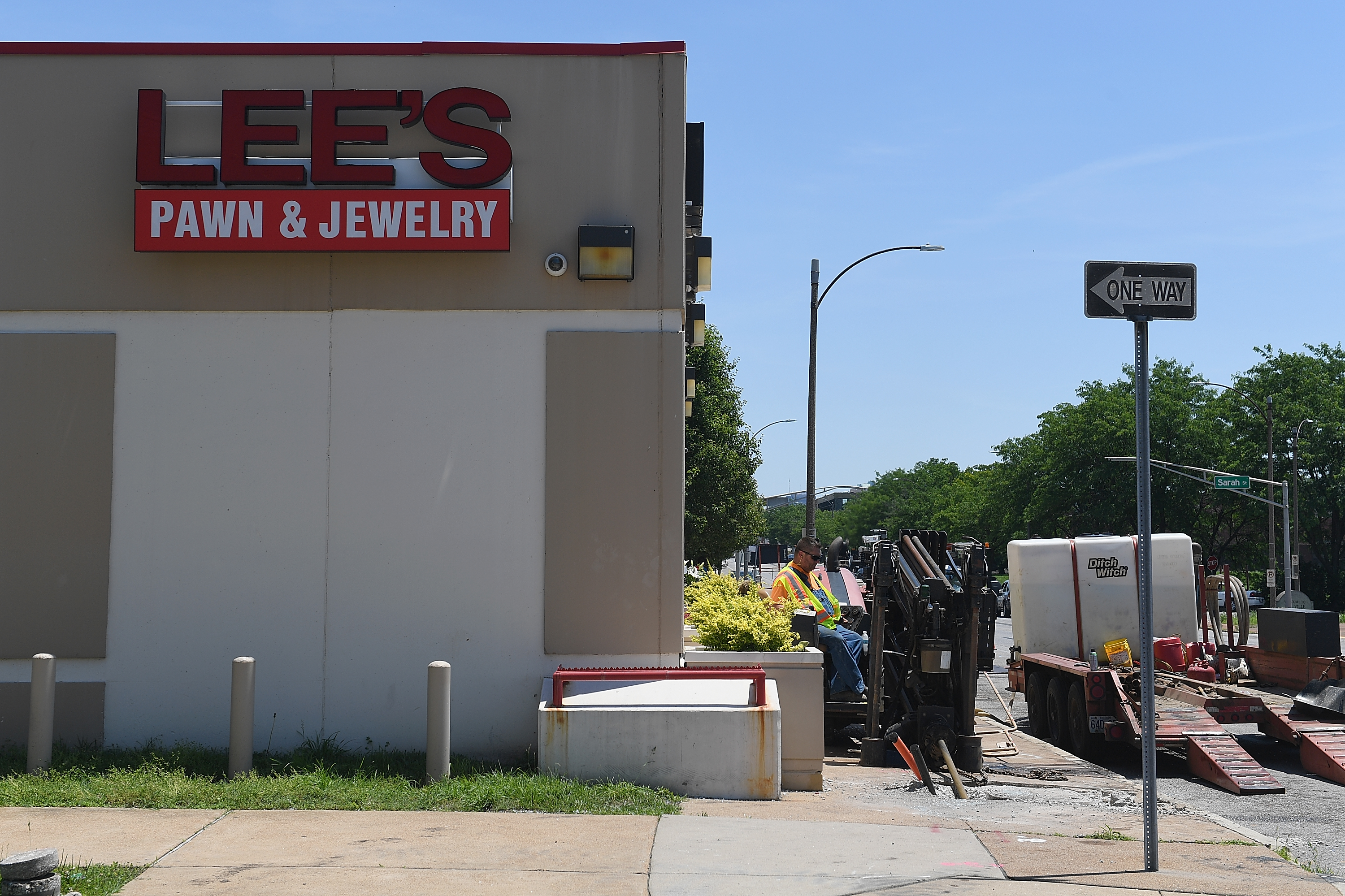 Lee's Pawn and Jewelry
