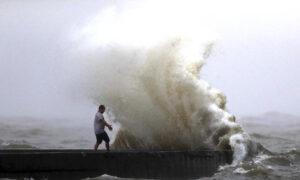 High Winds, Rain as Tropical Storm Cristobal Makes Landfall Over Louisiana