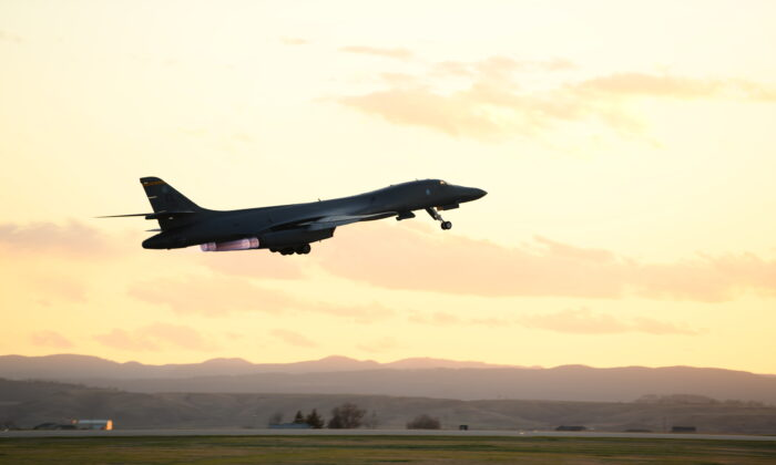 A B-1B Lancer assigned to the 28th Bomb Wing launches from Ellsworth Air Force Base in South Dakota on April 28, 2020. (U.S. Air Force photo by Senior Airman Nicolas Erwin)