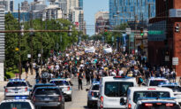 Chicago Aldermen Confront Mayor Over Response to Rioting