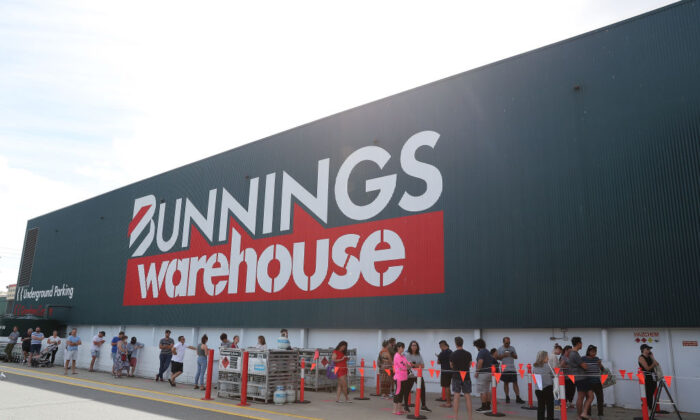 Shoppers are forced to queue outside Bunnings in Myaree due to new government social distancing measures on March 28, 2020 in Perth, Australia.  (Paul Kane/Getty Images)