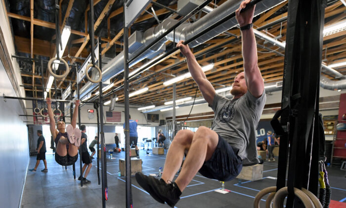 People work out at a CrossFit gym in Las Vegas, Nevada on May 29, 2020. (Ethan Miller/Getty Images)