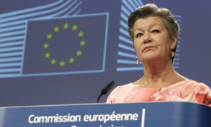 EU Urges States to Reopen Domestic Borders From Monday
