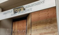 Officers Return to Police Precinct in Seattle Autonomous Zone as Plans Are Made to Reclaim It