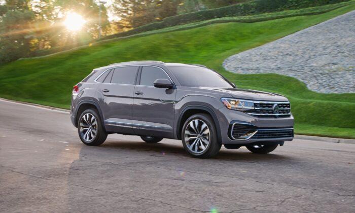 2020 VW Atlas Cross Sport V6 SEL Premium R-Line. (Courtesy of VW)