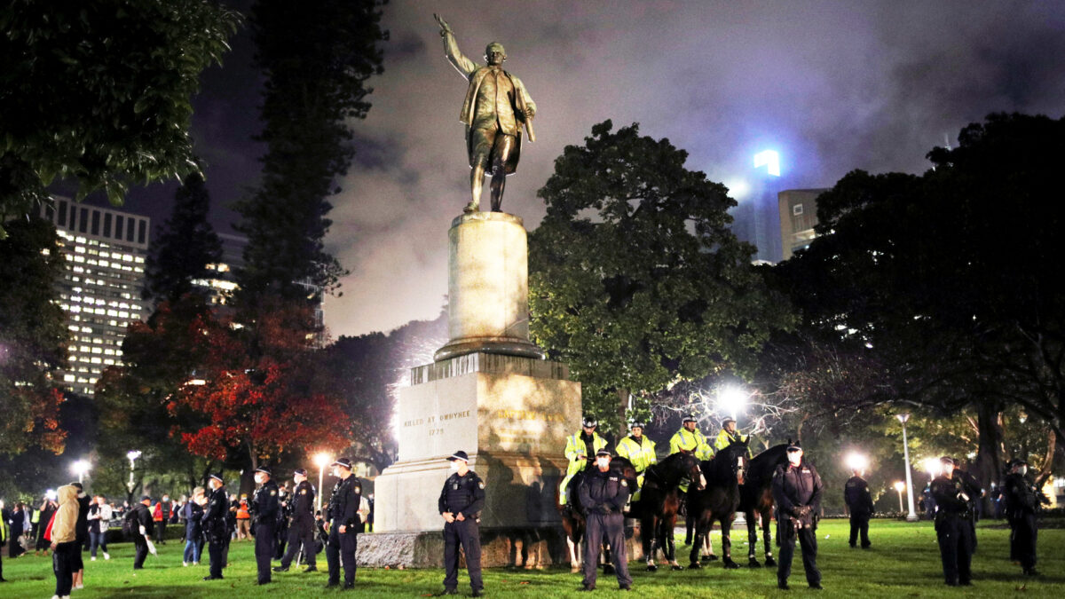 Sydney captain cook statue POLICE PROTESTS