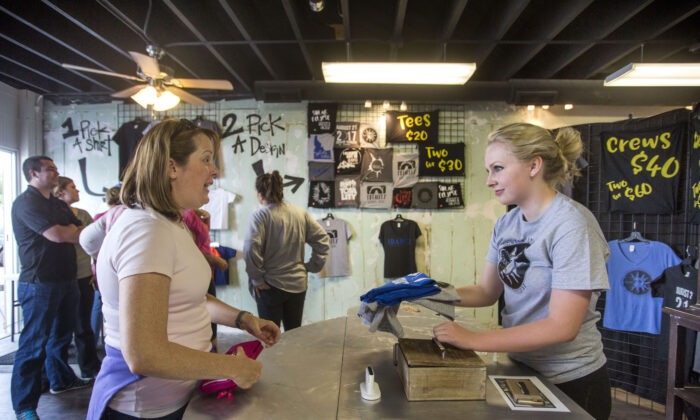 A pop-up T-shirt shop in Rexburg, Idaho in a file photo. (Natalie Behring/Getty Images)