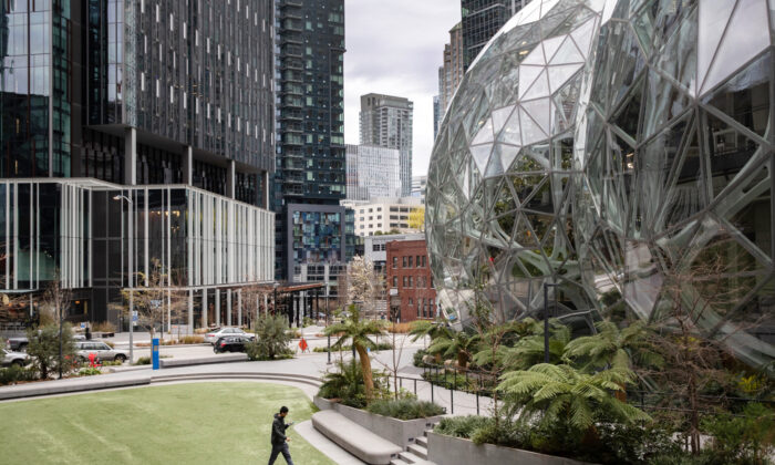 The Amazon headquarters sits virtually empty on March 10, 2020 in downtown Seattle, Washington. (John Moore/Getty Images)