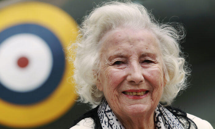 Second World War British Forces Sweetheart Vera Lynn attends the Battle of Britain commemoration outside the Churchill War Rooms in London on Aug. 20, 2010. (Luke MacGregor/Reuters)