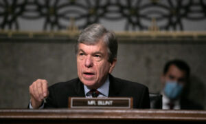 Blunt Urges Biden to Cut Infrastructure Package by 70 Percent for 'Easy Win' on GOP Backing