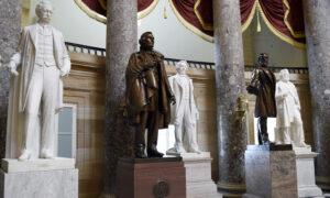 Senator Blocks Bill to Remove Confederate Statues From US Capitol