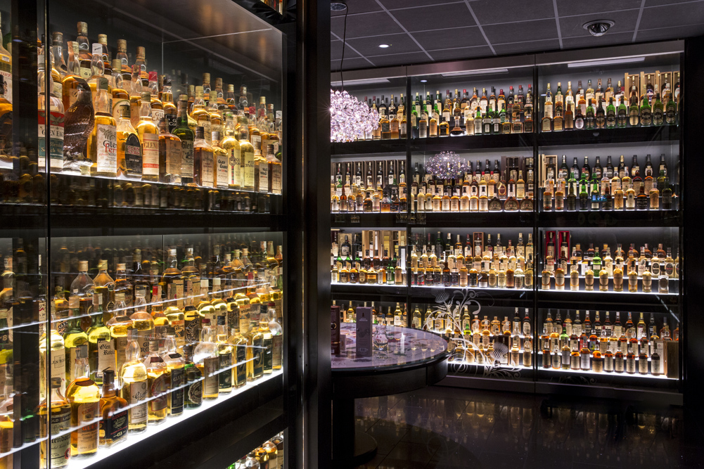 World's Largest Scotch Whisky Collection B