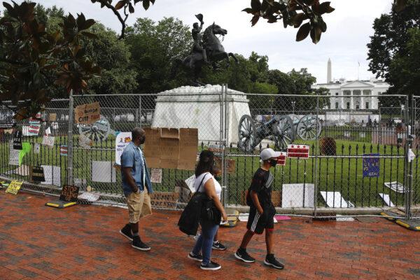 andrew jackson statue near white house