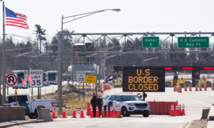 US-Canada-Mexico Border Restriction Extended for Another Month: DHS