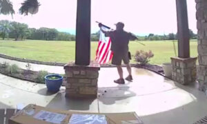 'Hero' UPS Driver Untangles Client's American Flag During Memorial Day Weekend Delivery