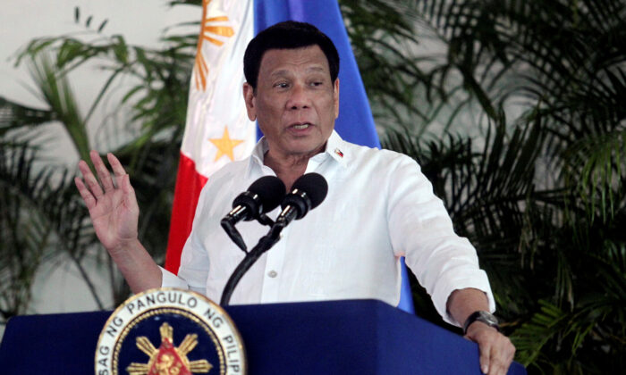 President Rodrigo Duterte speaks at Davao International airport in Davao City in southern Philippines, Sep. 8, 2018. (Lean Daval Jr/Reuters)