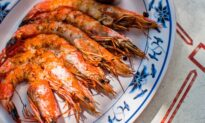 Head-On Gulf Shrimp With Nam Jim Sauce
