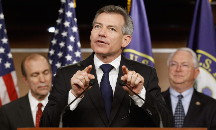 Rep. David Schweikert (R-Ariz.) (C) speaks during a news conference at the U.S. Capitol in Washington on March 29, 2011. (Chip Somodevilla/Getty Images)