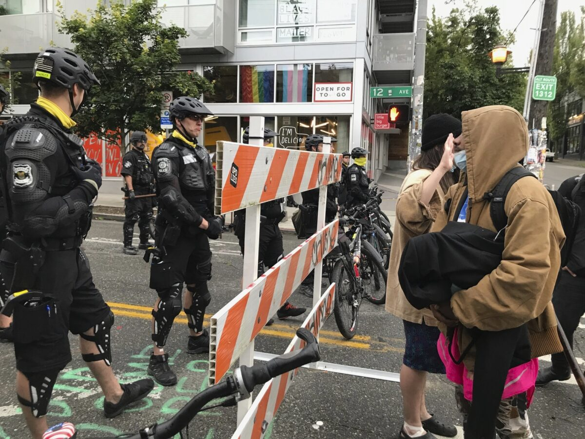 Heavily armed Seattle police infiltrate CHOP, shut down the whole leftist operation