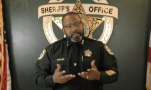 Florida Sheriff Threatens to Deputize Protesters If Their Actions Turn Violent