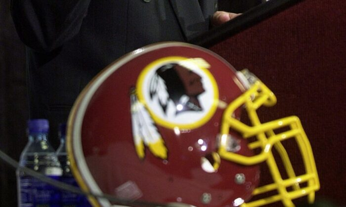 The Washington Redskins logo in a file photo. (Photo credit should read SHAWN THEW/AFP/Getty Images)
