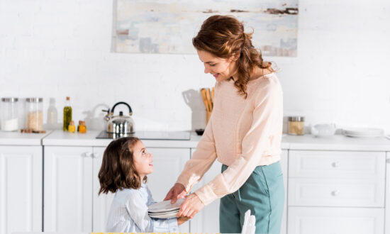 4 Tricks for Teaching Manners to Young Children