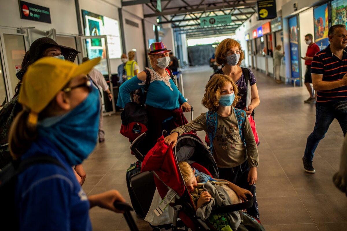 Greece virus tourism