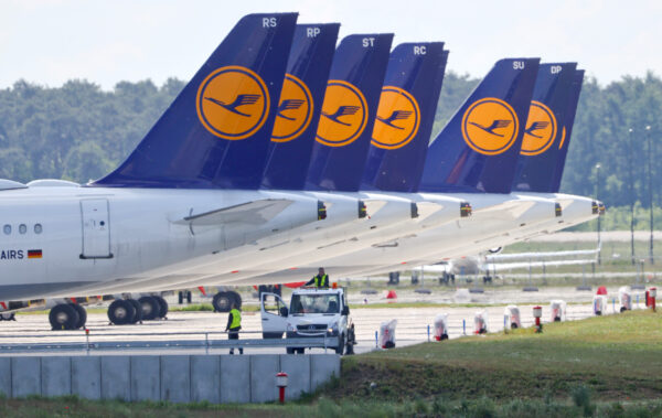 Planes Lufthansa Berlin Schoenefeld airport