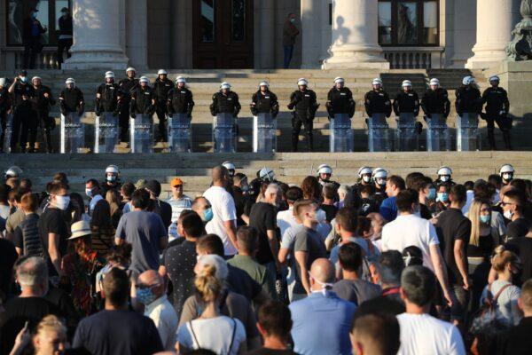 HEALTH-CORONAVIRUS-SERBIA-PROTESTS