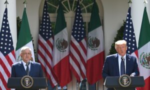 Trump Meets Mexican Leader to Celebrate USMCA