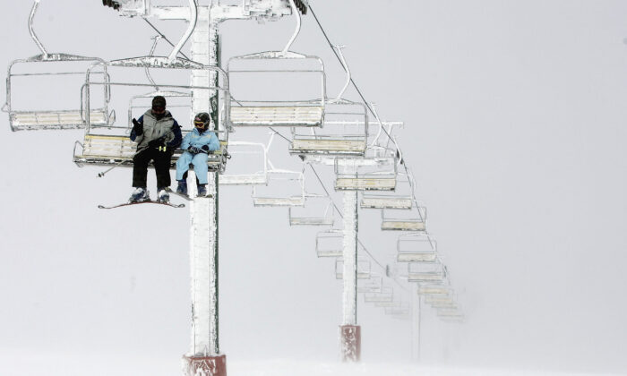 A general view from the Summit Quad Chairlift, looking down the mountain during the start of the Australian snow season at Mount Hotham in Mount Hotham, Australia, on June 18, 2005. (Mark Dadswell/Getty Images).
