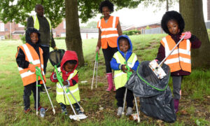Couple Teaches Kids to Keep the Environment Clean by Taking Them for Litter Picking on Days Out