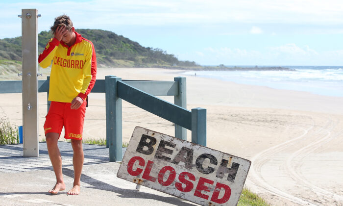 Beach closes after shark attack, Australia on Feb 10, 2015. (Chris Hyde/Getty Images)