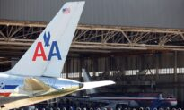 American Airlines to Cut Service Unless More Aid Is Provided