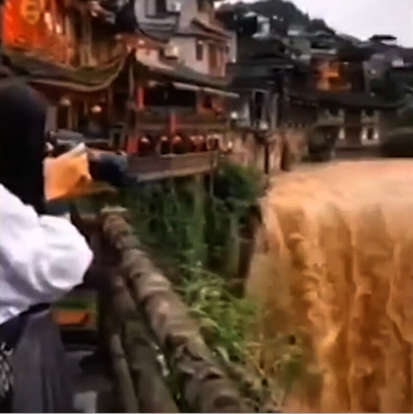 More Homes Demolished by Floodwater, Song Dynasty Bridge Destroyed