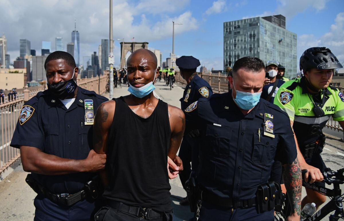 People get arrested on the Brooklyn Bridge