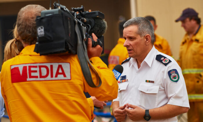 Rob Rogers, Deputy Commissioner of the NSW Rural Fire Service is pictured speaking to the media on January 5, 2020 in Wingello, Australia. (Brett Hemmings/Getty Images)