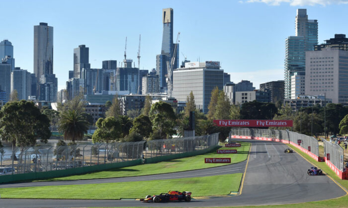 Red Bull's Dutch driver Max Verstappen drives around the Albert Park circuit during the second Formula One practice session in Melbourne on March 23, 2018, ahead of the Formula One Australian Grand Prix. ( (PAUL CROCK/Getty Images)