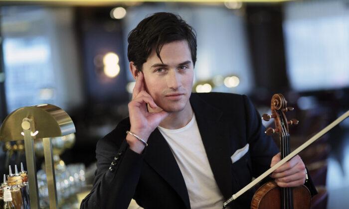 Violinist Charlie Siem. (Ure Arens LR)