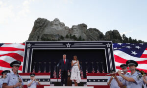 No CCP Virus Spike After Mount Rushmore Event Trump Attended: Governor
