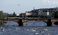 Czech Active Coronavirus Cases Swing to New High as Local Outbreaks Continue