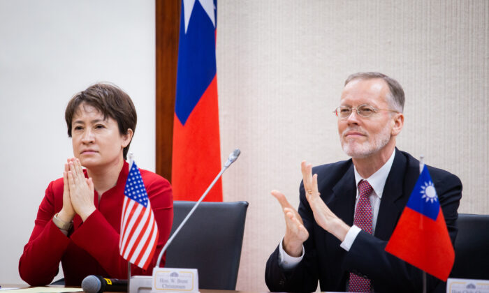 Hsiao Bi-khim (L), Taiwan's new representative to the U.S., and William Brent Christensen, director of the American Institute in Taiwan, attend an inaugural ceremony in Taipei, Taiwan, on July 20, 2020. (Chen Po-chou/The Epoch Times)