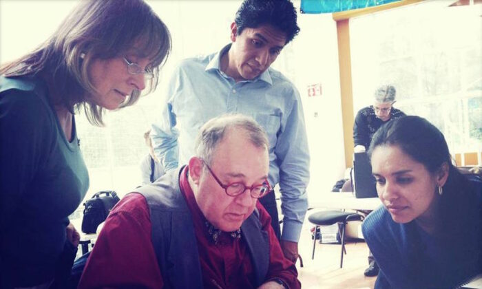 Sull teaches off-hand flourishing to students in Mexico City, Mexico. (Courtesy of Michael Sull)