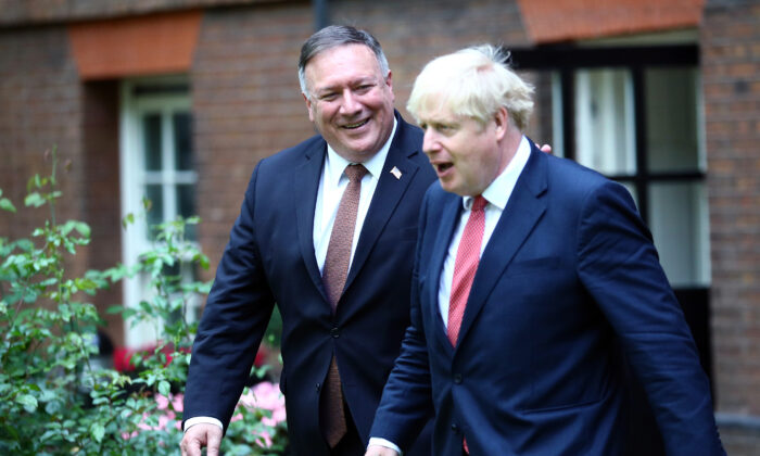 U.S. Secretary of State Mike Pompeo (L) meets with Britain's Prime Minister Boris Johnson at Downing Street for talks on July 21, 2020. (Hannah McKay - WPA Pool/Getty Images)